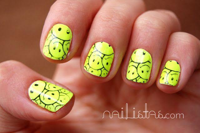 Uñas decoradas con smileys //  80's //