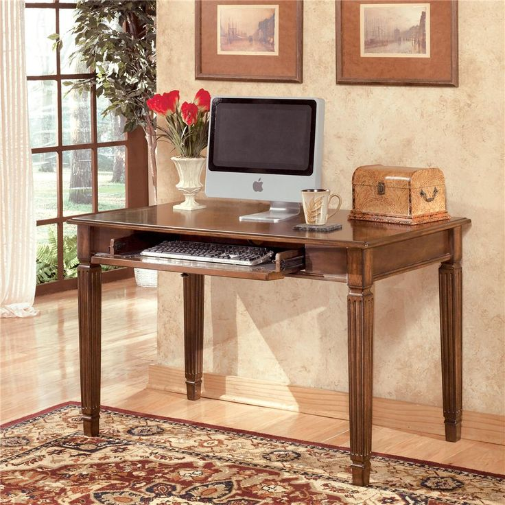 Hamlyn Small Leg Desk by Ashley (Signature Design)