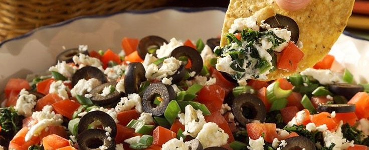 Mediterranean Six Layer Dip with ATHENOS feta #olive #tomatoes #spinach #creamcheese