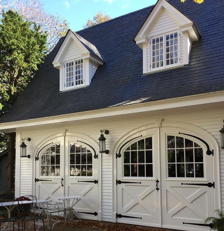 Best 25 carriage house ideas on pinterest carriage for Coach house garage prices