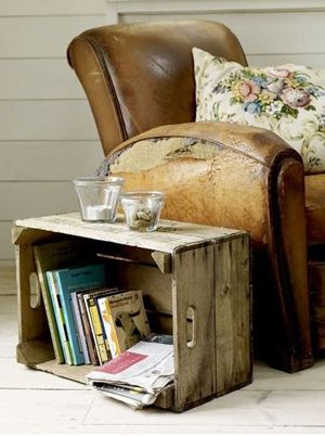 so many uses for the rustic crate on this site...I want some~
