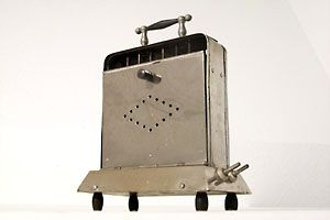 17 best images about vintage toasters on pinterest art deco design toaster and electric. Black Bedroom Furniture Sets. Home Design Ideas