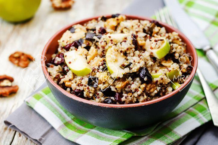 Ensalada de quinoa, manzana con berenjena y arándanos secos. Recetas Thermomix. Cocinar con Robot