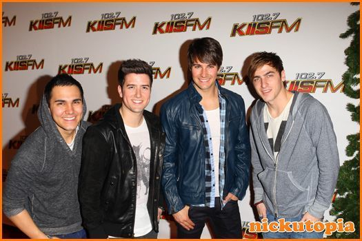 i<3 btr!!!!! want to meet them so much!!!