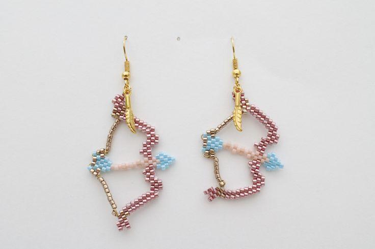Boucles d'oreilles arc et fléche indienne en perle miyuki delicas 11/0
