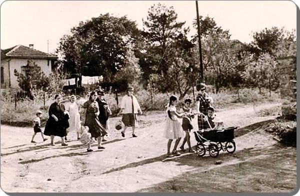 """1960 yılından bir Bostancı fotoğrafı... Issız ve """"kırsal"""" bir Bostancı..."""