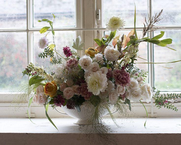 Charleston Farmhouse kitchen flowers | Aesme Flowers London