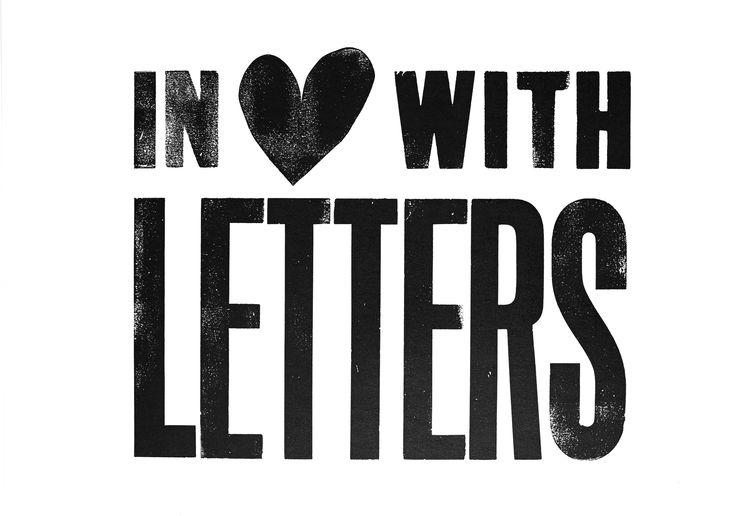 Limited edition vtwonen poster in love with letters. Een serie unieke, met de hand gesigneerde posters door de redactie van vtwonen ontworpen en ambachtelijk gedrukt bij het Grafisch Werkcentrum Amsterdam. Door het ambachtelijke drukkersprocedé is geen enkele poster precies hetzelfde, dat maakt deze posters uniek en speciaal.