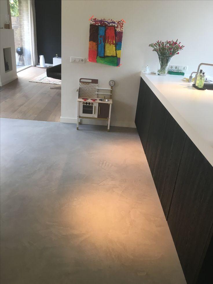 Design woonbeton in de keuken   #woonbeton #gietvloer #betonlook