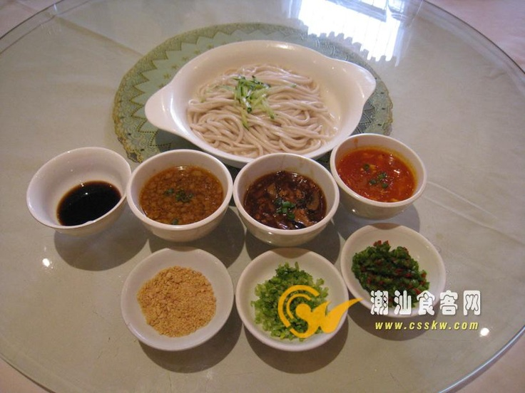 Ramen noodles,one of our famous kinds of noodles.The noodle will be very long ,some noodles can be thin as lines,meters long ,and we can light them . Of course ,only the professional pastry chefs can do it
