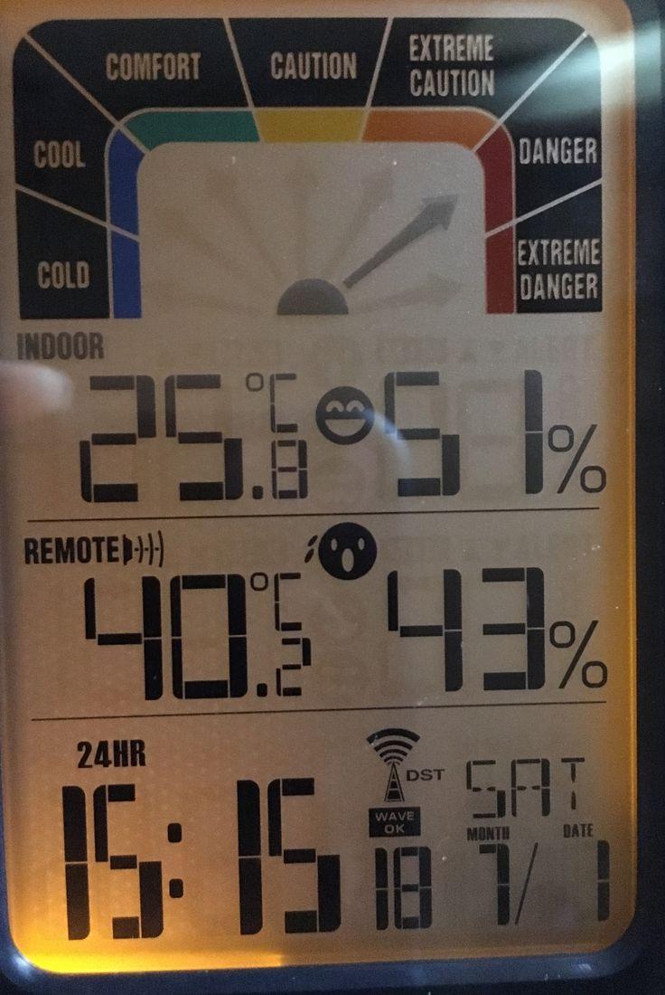 Dauna totala Pfff... Afara la umbra 40 de grade C Bucuresti - Piata Unirii Aveti grija de voi!