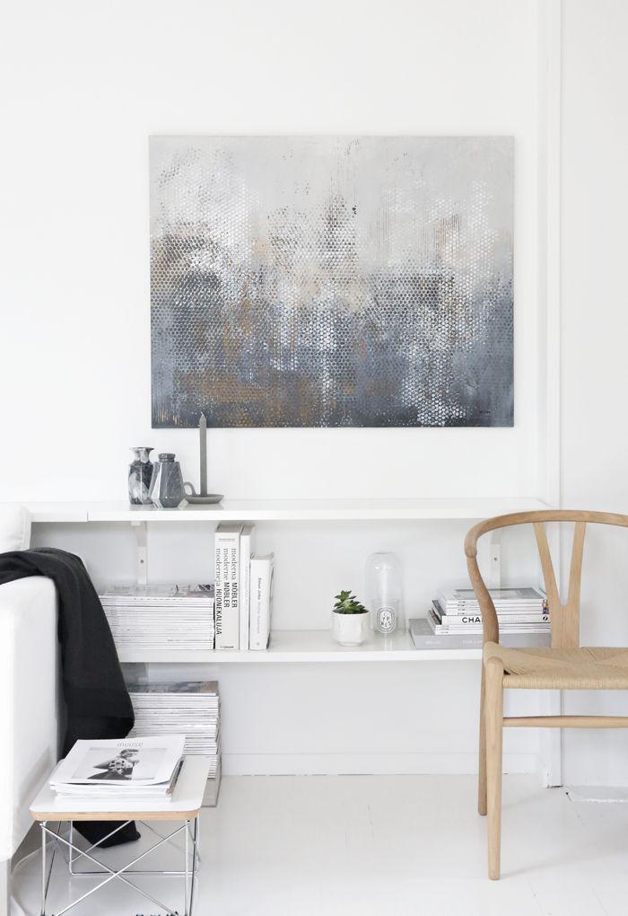 Painting by Nina Holst, living room, wishbone chair