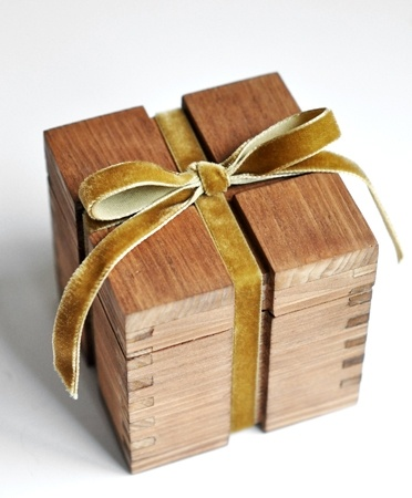 Gift Wrapped Csite In 2019 Wooden Boxes Woodworking