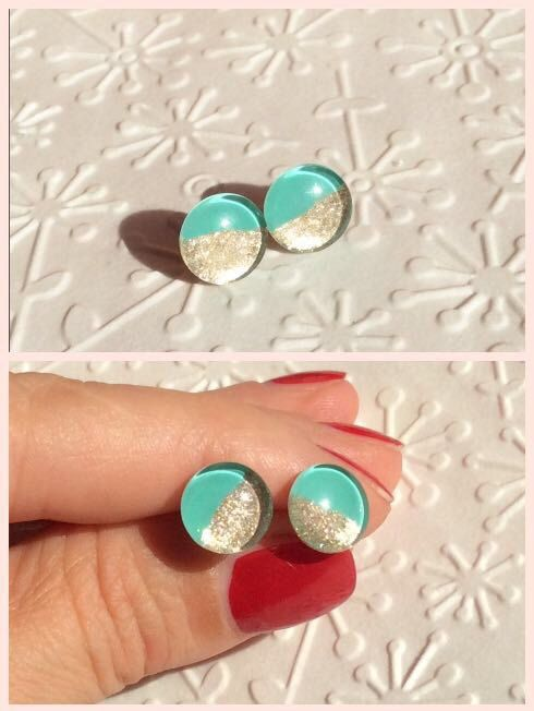 Mint gold stud earring, small stud earring, tiny stud earring, glass stud earring, , titanium stud earring, resin earring