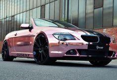 """Tuning: preparadora alemã faz BMW """"rosa cromado"""" para atriz de filmes adultos - Fotos - R7 Carros"""