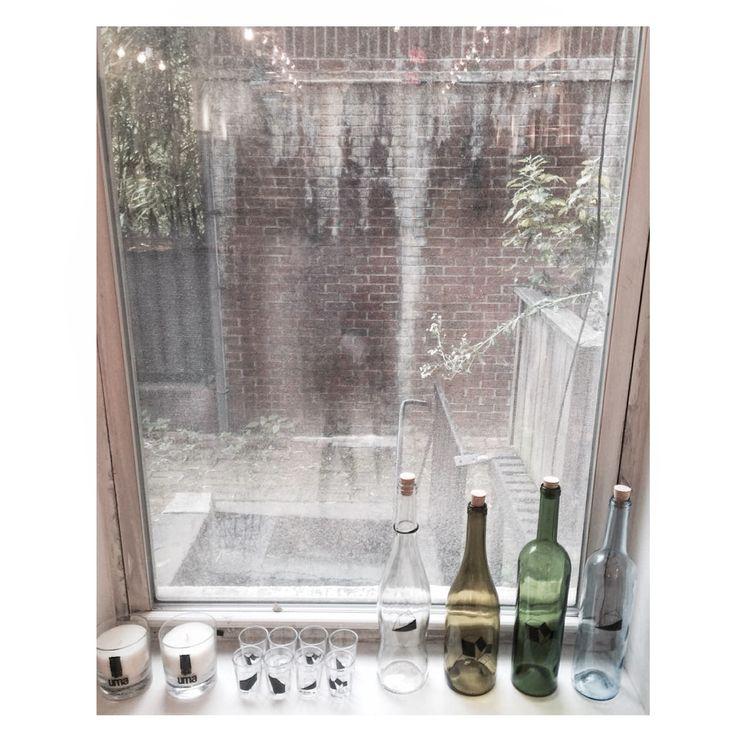 Garrafas recicladas e copos | Vértices Casa na Uma/Raquel Davidowicz NY