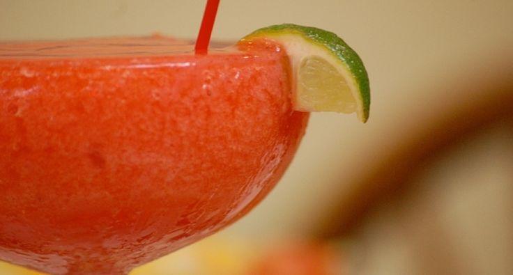 Strawberry daiquiri koktél recept videó | APRÓSÉF.HU - receptek képekkel