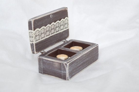 Etsy, 26,50€ Ring Box Wedding Ring Box Ring Bearer Box Double Ring Box Rustic Proposal Ring Box Hearts Wooden Engagement Ring Box  A handmade, rustic