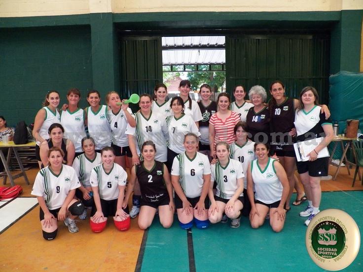 Toda la información e imágenes del Torneo de Tenis y del 6º Torneo Provincial de Maxi Voley está en  www.clubssd.com.ar