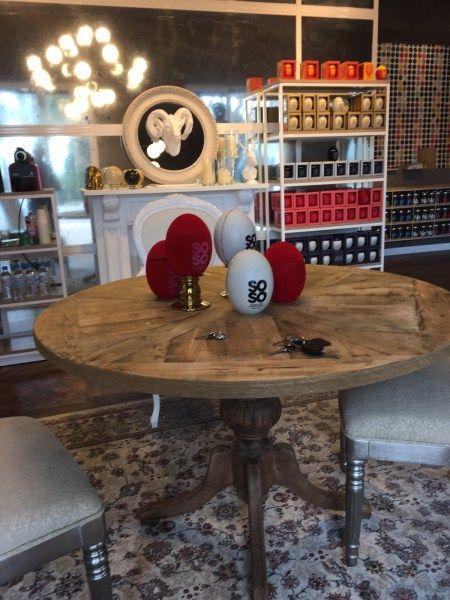 Diseñamos y elaboramos esta mesa para la primera tienda de la fabulosa marca de alimentos  Soso Factory. #wood #table