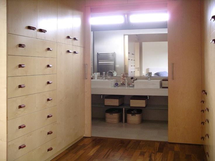 Baño Vestidor Moderno:Decoracion #Moderno #Baño #Vestidor #Tocador #Comodas #Estanterias #