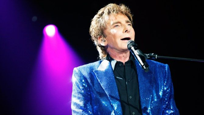 barry manilow photos 2016 | Barry Manilow Rushed to Hospital Following Surgical Complications