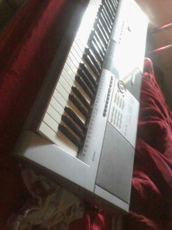Yamaha electric keyboard - $100 (Killeen)