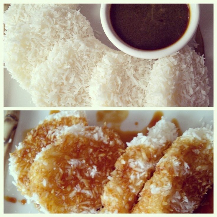 Lupis. Glutinous rice cake with javanese (palm) sugar sauce.  Recipe http://worldofeleonore.wordpress.com/2013/07/05/glutinuous-rice-cake-indonesia/