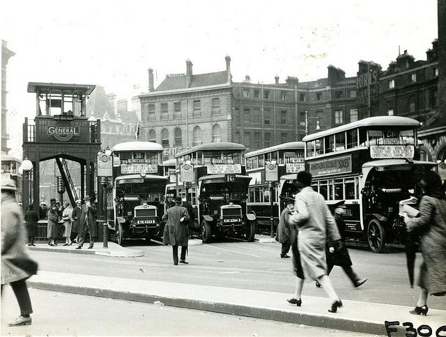 Victoria bus station in London 1927.