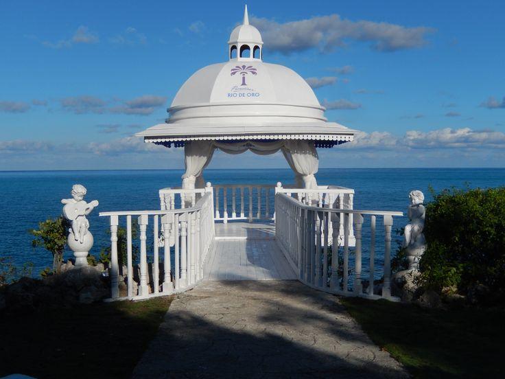 """Paradisus Rio de Oro Resort & Spa - Holguín  """"Oui, je le veux"""" - """"Yes, I do"""" -  #ParadisusRiodeOro #DominiqueFavreau conseillère en voyages TravelOnly #Pinterest DivineDestination.ca DominiqueFavreau.com"""