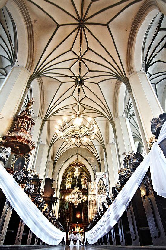 Kościół św. Mikołaja w Gdańsku. Przygotowany na ślub. #ślub #dominikanie #gdańsk