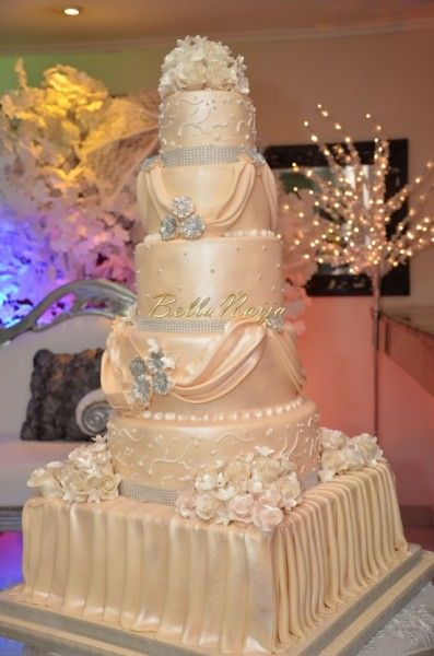Wedding cake at La Cour Hotel in Ikoyi, Lagos, Nigeria. Nigerian Bride: Chioma.  #iSABiSevents