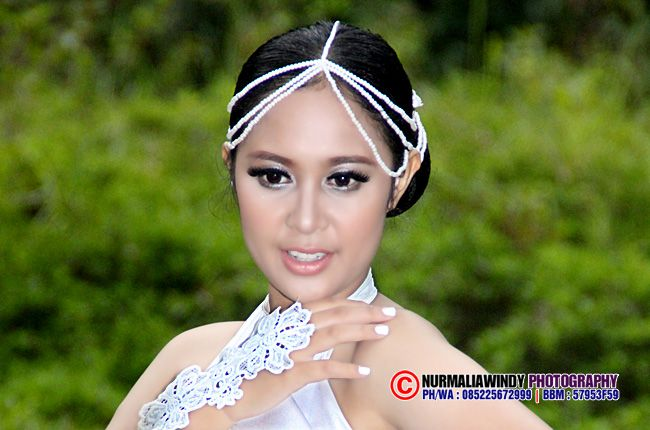 Nurmalia Windy - Fotografer Purwokerto | Windygraphy | Fotografer Wedding | Fotografer Prewedding: Glamour White Dress Model - Gadis Model Semok, Put...