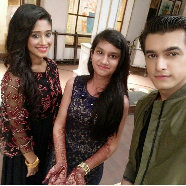 """""""Momo and shivi with a fan latest post by the fan.. Shivin are togther and they are slaying """""""