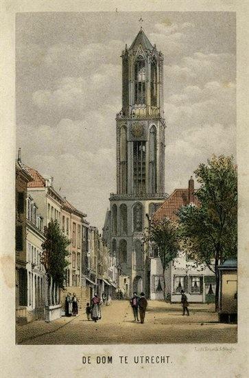 De Zadelstraat te Utrecht met op de achtergrond de Domtoren 1870