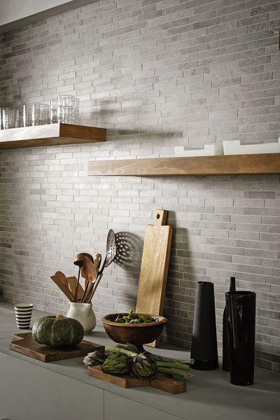 płytka ceglana kuchnia - ściana z oknem