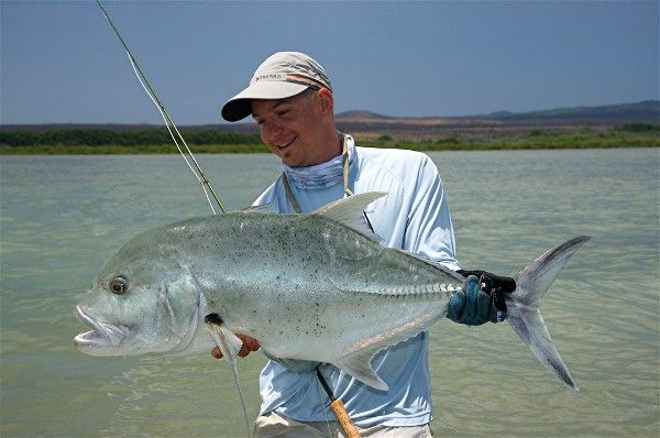 1000 images about salty fly fishing on the brain on for Hawaii fish guide