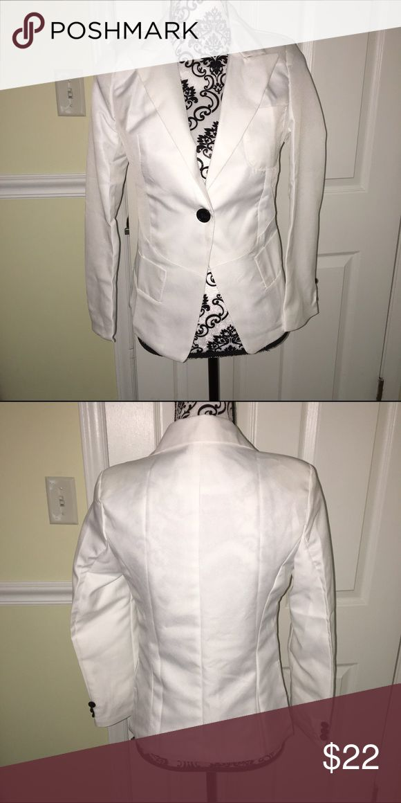 Small white blazer with black buttons Small white blazer with black buttons Jackets & Coats Blazers