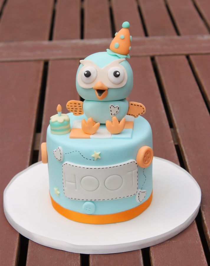 There's a children's show in Australia called Giggle and Hoot and my little boy is a huge fan. This mini 4 inch cake made him sm...
