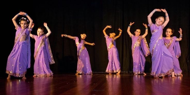 KIDS BOLLYWOOD DANCE CLASSES AGES 4-6yrs and 7-12yrs @ HORNSBY & CROWS NEST  10% discount off HORNSBY if you enrol by midnight tonight!!!  Come try this exciting style combining JAZZ, FUNK, HIP HOP, Modern Indian, Classical Indian, Bhangra , Latin and Arabic dance... www.mangodance.com,au