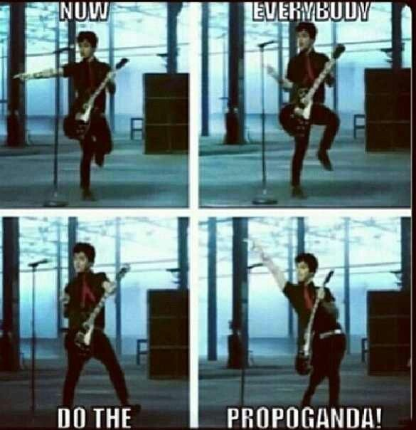 Billie Joe showing off his fine dancing skills *propaganda