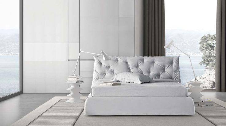 Pianca.   #mobiliriccelli #riccelli #arredamento #mobili #arredo #furniture #bedroom #bed #camera #letto #indoor #interior #design #casa #home #madeinitaly #cameradaletto #pianca #white