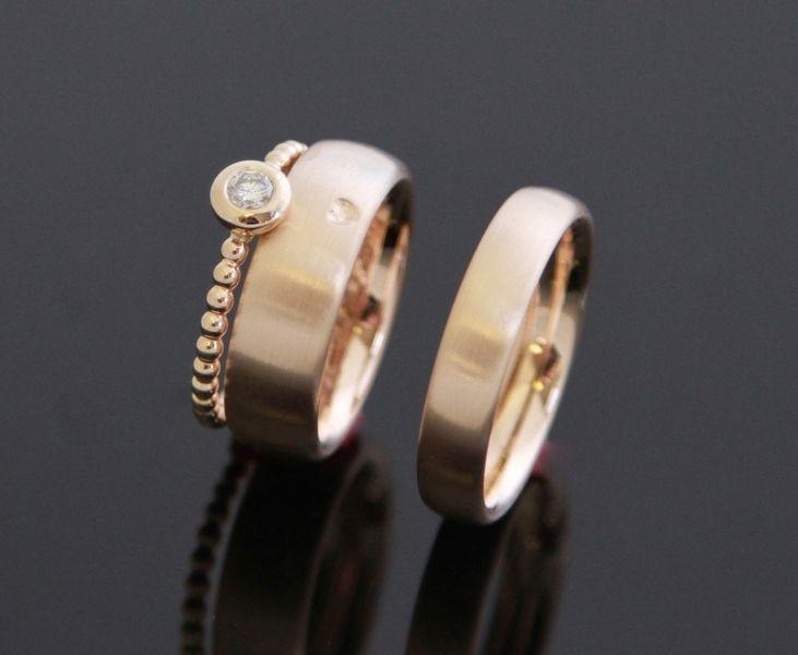 Trauringe ° 585 ROSÈGOLD ° Kugelring & Diamant von MEIN-LIEBLINGSRING auf DaWanda.com