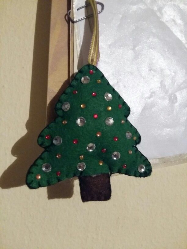 My Felt Christmas Tree! I'm so happy that I am quite good to create something on my own!:D