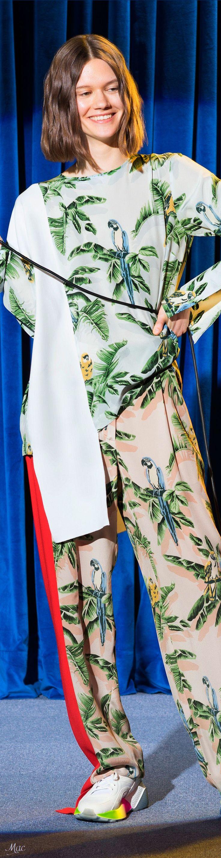 Resort 2018 Stella McCartney ✨   ᘡℓvᘠ❤ﻸ•·˙❤•·˙ﻸ❤□☆□ ❉ღ // ✧彡☀️● ⊱❊⊰✦❁ ❀ ‿ ❀ ·✳︎· ☘‿FR OCT 06 2017‿☘ ✨ ✤ ॐ ♕ ♚ εїз ⚜ ✧❦♥⭐♢❃ ♦•● ♡●•❊☘ нανє α ηι¢є ∂αу ☘❊ ღ 彡✦ ❁ ༺✿༻✨ ♥ ♫ ~*~♆❤ ✨ gυяυ ✤ॐ ✧⚜✧ ☽☾♪♕✫ ❁ ✦●❁↠ ஜℓvஜ