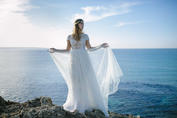 beautiful dress by Shyafan with tattoo-effect photographed by alex gerrard photography