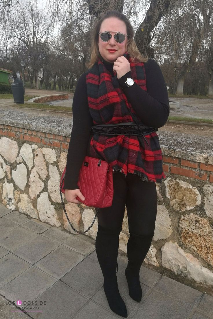 Trendy Curvy Look.BOLSO ROJO ACOLCHADO #aliexpress #legging #capamanta #tartan #bolsorojo #overkneeboots #gafasdesol #diorsoreal #outfittallagrande #curvy #plussizecurve #personalshopper #curvygirl #loslooksdemiarmario #bloggermadrid #outfit #plussizeblogger #fashionblogger #influencer #trendy #bloggerXL