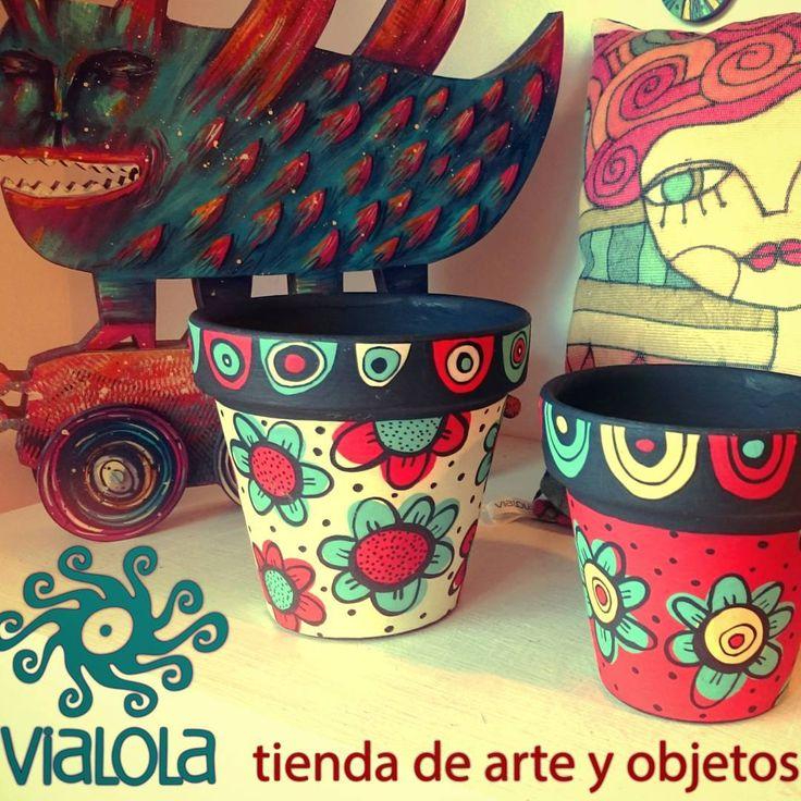"""24 curtidas, 1 comentários - dolores pardo objetos (@vialola.tienda) no Instagram: """"👆472 esq 19, City Bell. #vialola #tienda #shop #objetos #color #colors #rojo #turquesa #red…"""""""