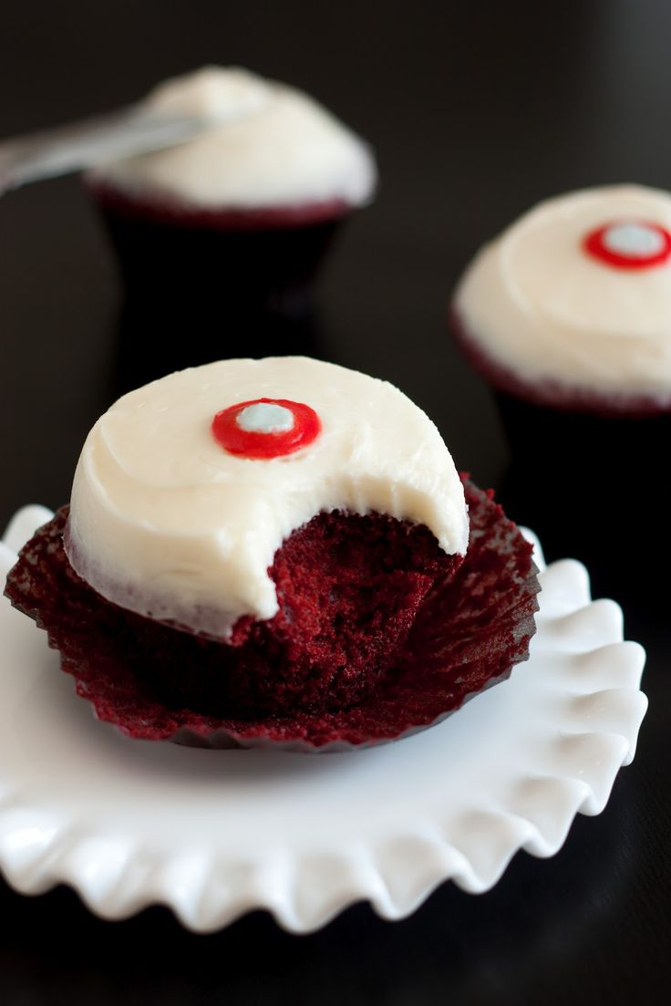 Cooking Classy: Sprinkles Red Velvet Cupcakes with Cream Cheese Frosting Copycat Recipe: Sprinkles Cupcake, Cream Cheese Frostings, Cupcake Recipe, Sprinkles Red, Cream Chee Frostings, Red Velvet Cupcake, Redvelvet, Frostings Copycat, Copycat Recipe
