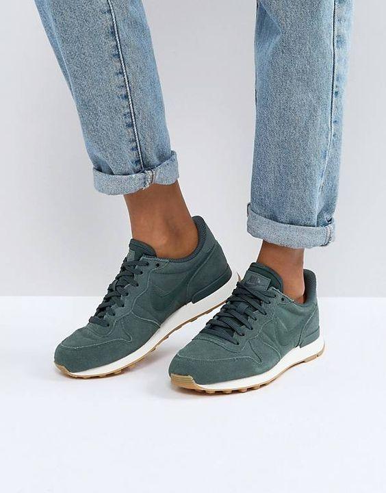 Nike Internationalist Trainers In Vintage Green #women's